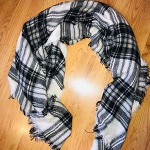 3 for one price. Blanket scarfs
